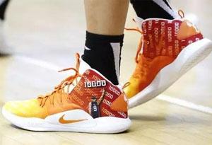 易建联上脚Nike HD X定制球鞋 广东2:0新疆有望报仇新疆