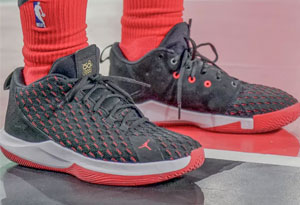 保罗12代篮球鞋实战测评 保罗cp12和cp11哪个好